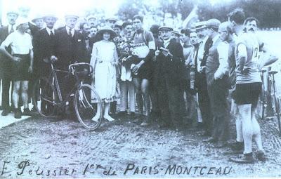 Arrivée du premier Paris-Montceau