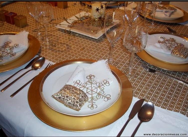 5 1 ideas para decorar tu mesa de navidad decoraci n for Como decorar la mesa para navidad