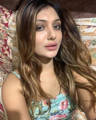 khushi mukherjee instagram