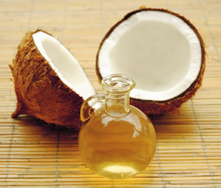 Comment utiliser l'huile de noix de coco comme baume pour les lèvres?