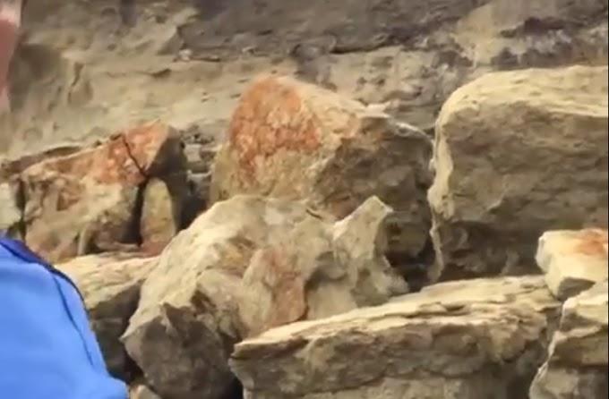Vídeo: Mais uma parte da pedra do chapéu de Tibau despenca