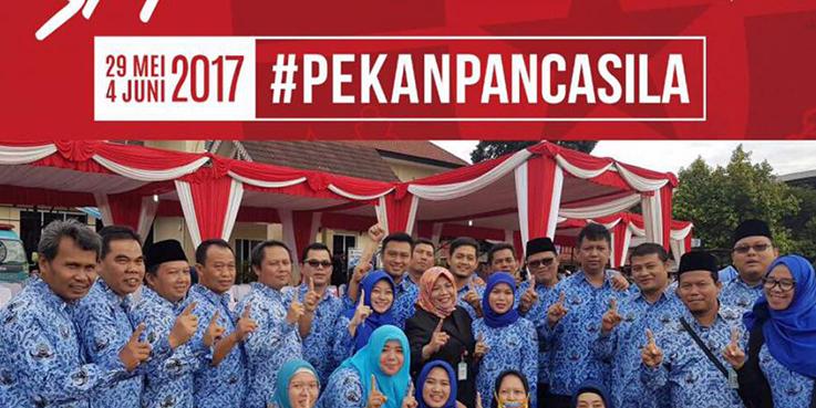 Kepala Dinas Pekerjaan Umum (DPU), Retno Prawati bersama jajarannya.