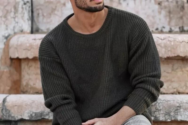 Knitted sweatshirts