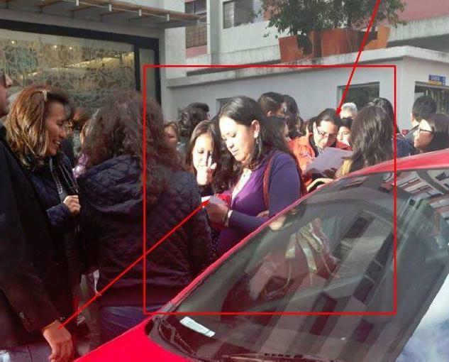 obligan a empleados publicos a marchar en la avenida de los shyris