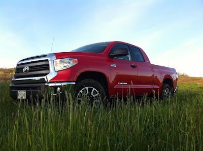 2014 Toyota Tundra red
