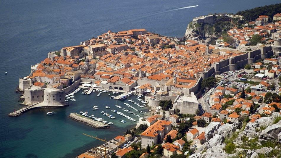 O Trono de Ferro de Game of Thrones está em Dubrovnik, na Croácia!