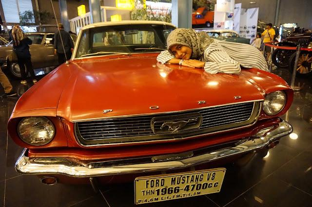 Koleksi mobil antik museum angkut Batu