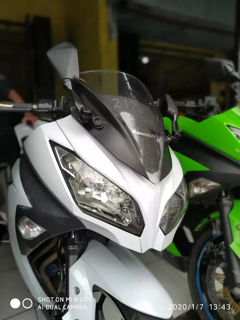 Kawasaki Ninja 250 Fi Tahun 2013 warna putih