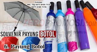 Payung Botol merupakan salah satu jenis payung yang bisa kamu jadikan souvenir