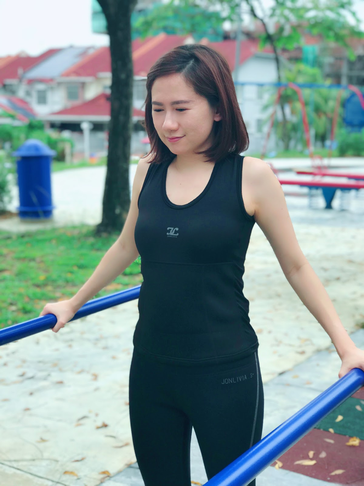 [Review] Trendy, Fashionable and Stylish Jonlivia ActiveSeries - ActivSinglet with Pocket