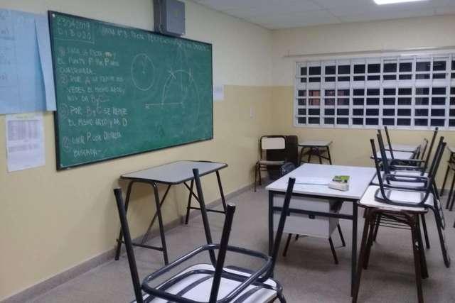 En Bariloche y Dina Huapi continúan las clases no presenciales