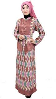 Model baju batik muslim wanita elegan