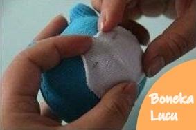 Tutorial membuat boneka lucu dari kaos kaki