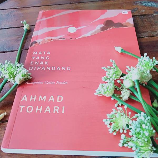 Review Kumcer Mata Yang Enak Dipandang-Ahmad Tohari