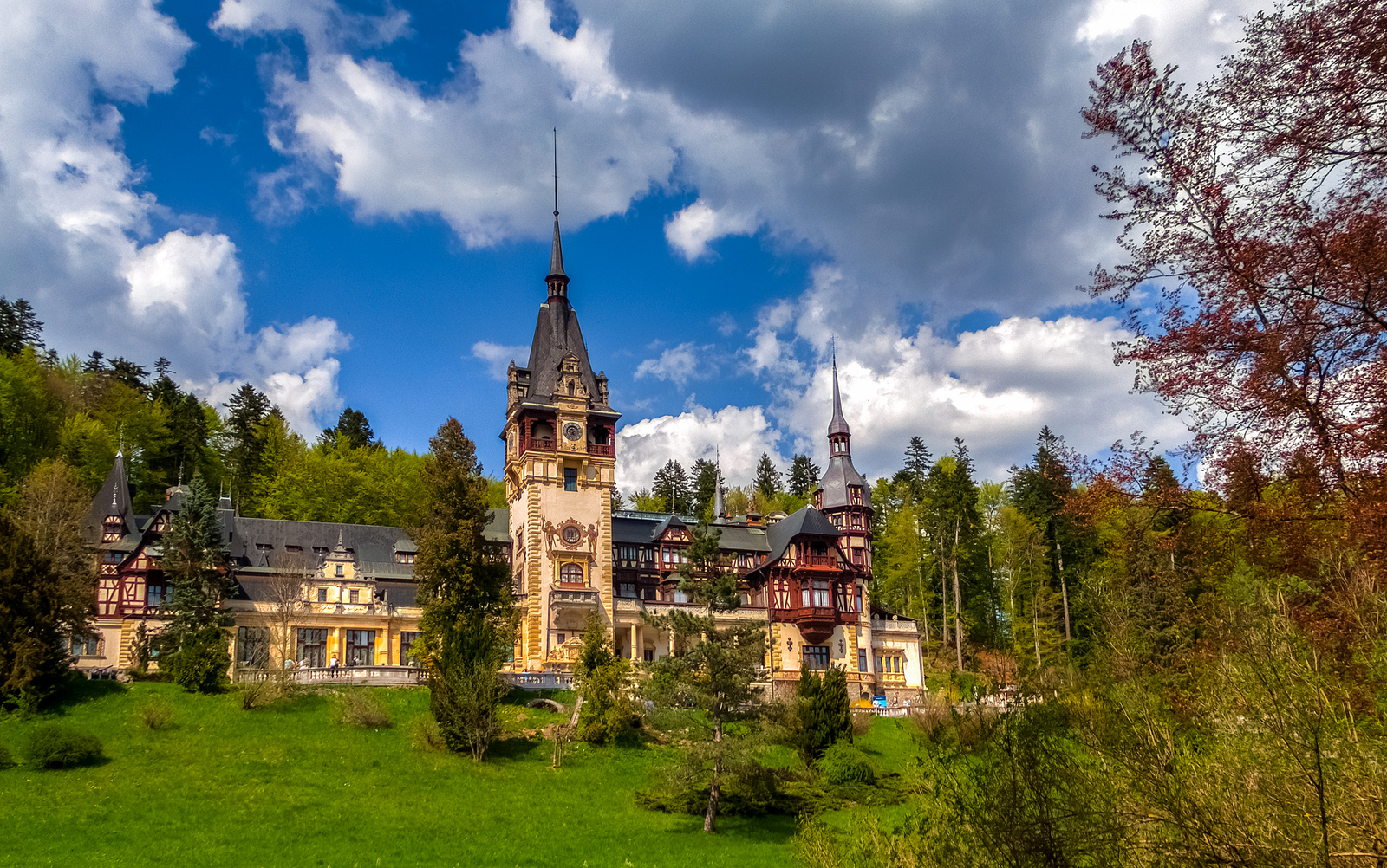 Magnificent shot of Peles Castle in Romania. Photo: Sorin Mutu.