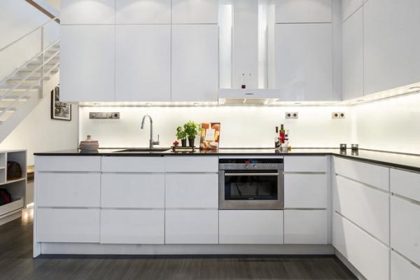 Desain Dapur Hitam Putih Minimalis