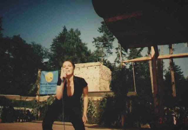 Petra singing in Rasnov, Romania, 19