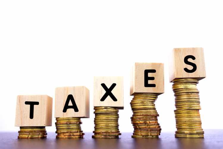 نشأة الضريبة وخصائصها