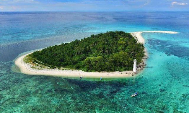Pulau Spermonde Lanjukang Makassar Sulawesi Selatan