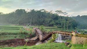 Jembatan Petung Putus, Akses Jalan Tidak Bisa Dilewati