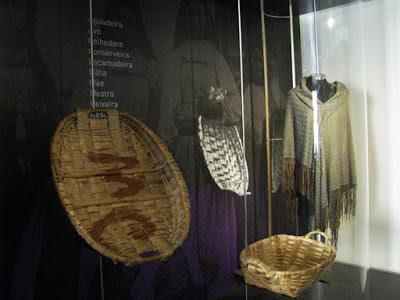 objetos de vendas de peixes expostos no Centro Interpretativo da Afurada
