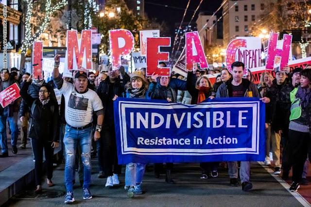مظاهرات في عدة مدن أمريكية قبل ساعات من تصويت الكونغرس على اتهامات عزل ترامب