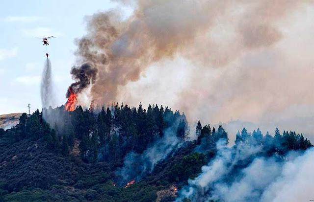 Las personas evacuadas por incendio forestal de Valleseco, Gran canaria, son unas dos mil