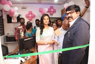 Sreemukhi Launches Manvis Saloon  0043.jpg