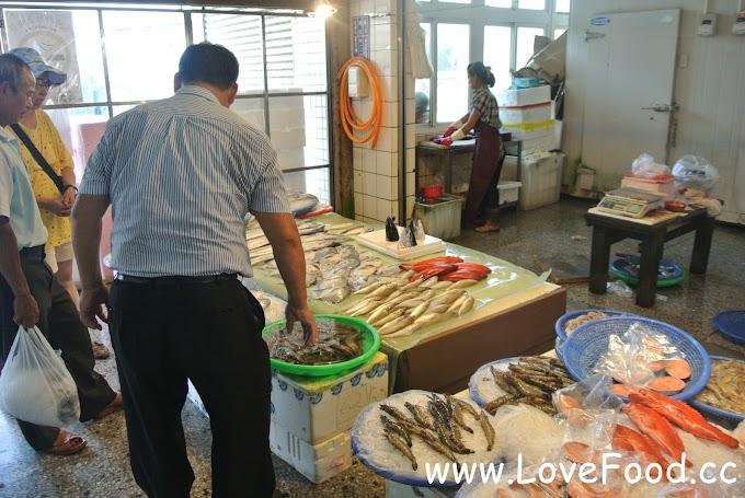 台中清水-梧棲魚市(梧棲漁港)-買新鮮魚跟吃海鮮的好地方- wu qi yu shi