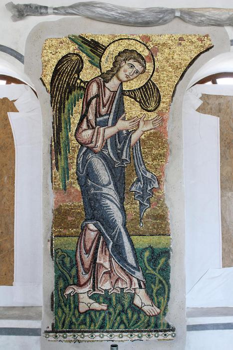 Restorers find Church of Nativity's 7th angel