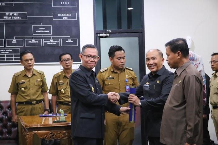 Sekdaprov Fahrizal Lantik Kadis Bina Marga dan Kadis Perkebunan Provinsi Lampung