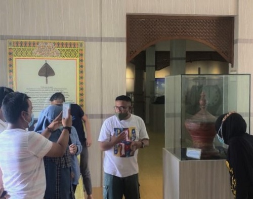 Kunjungan Perdana Museum Batam Raja Ali Haji, Wisatawan Jambi