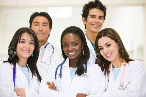 """9 types of people you meet in a """"doctors call room"""""""