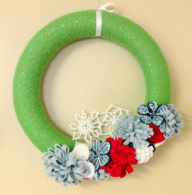 modern christmas theme wreath