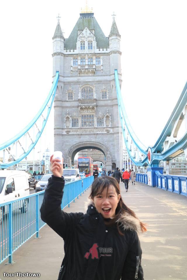 Solo Female Traveller Europe London