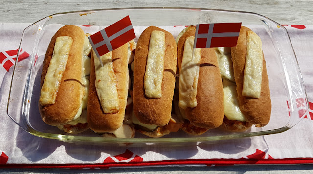 Rezept: Dänischer Hot Dog Auflauf. Überbacken schmeckt alles besser - auch dänische Hotdogs!