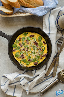 Omlet z bobem i pomidorami