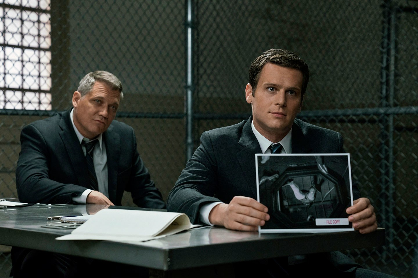 MINDHUNTER - Jonathan Groff y Holt McCallany