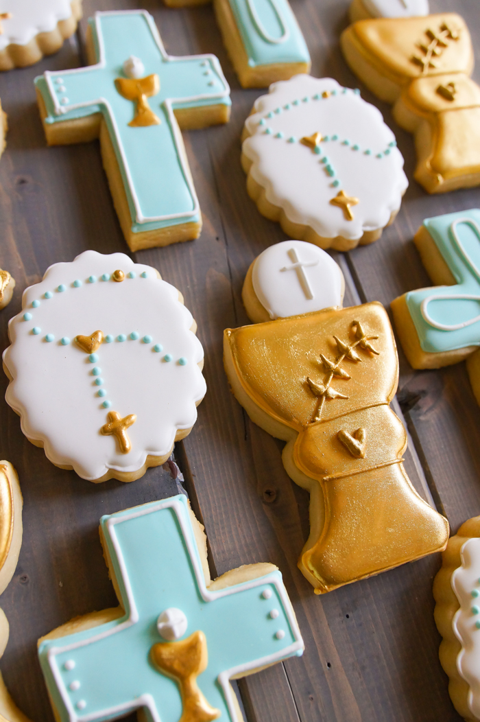 How to Make First Communion decorated cookies for a boy