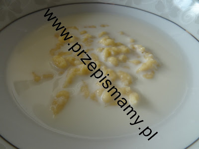 Zupa mleczna z zacierką