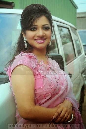 Bangladeshi Hot Singer Akhi Alamgir Body Measurements Latest Photos, Pics