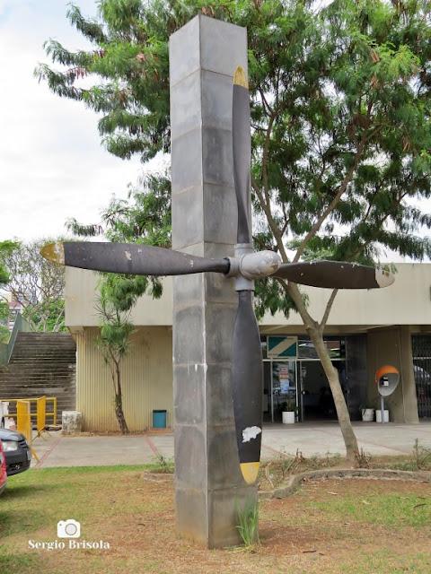 Close-up do Monumento a Aeronáutica em Santana - São Paulo