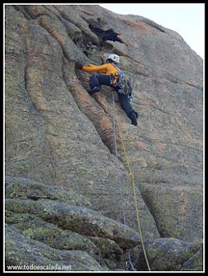 Arista de zonza, escalador en el séptimo largo