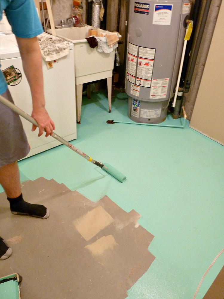 basement update how to paint a concrete laundry room floor turquoise dans le lakehouse. Black Bedroom Furniture Sets. Home Design Ideas