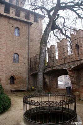 Pozzo nel cortile interno alla Rocca