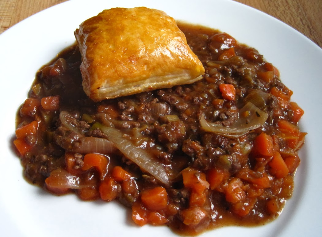 Minced Beef and Vegetable Puff Pastry Topped Pie