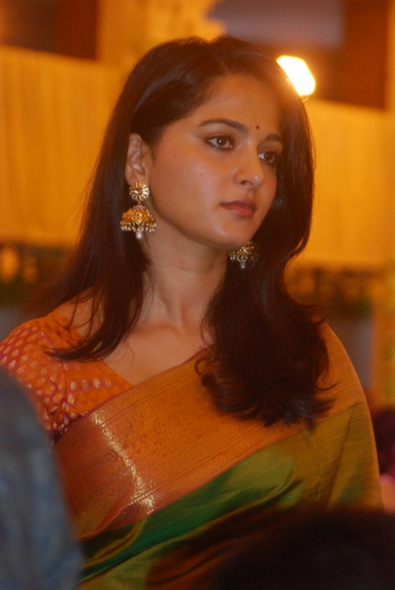 Actress Anushka Shetty Latest Photos In Green Saree