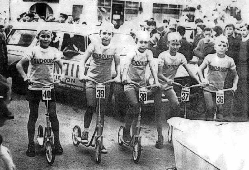 Course de trottinettes en Dordogne en 1963
