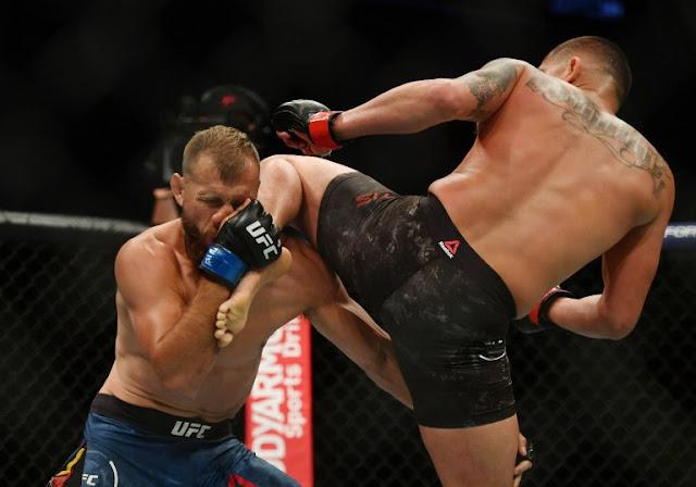 Anthony Pettis knee Donald Cerone UFC 249