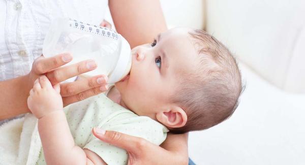 5 Tips Memberi Susu pada Buah Hati